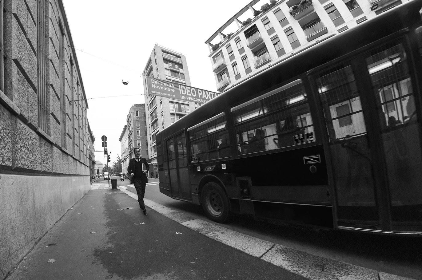 MILUNA-Ewa-Milun-Walczak-Mediolan-ludzie-ulica-przechodzni-mediolanczycy-Przechodnie-11
