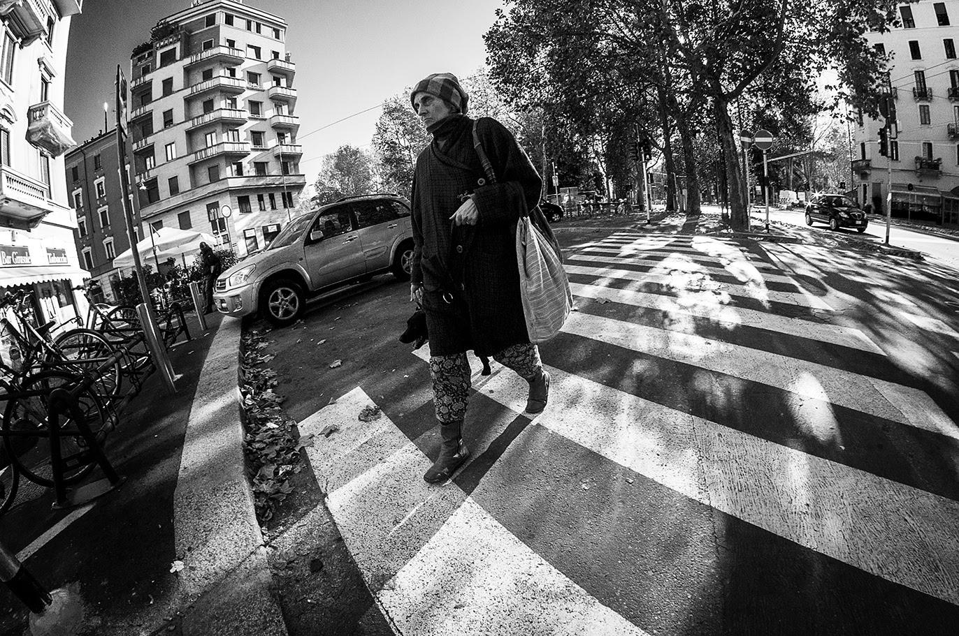 MILUNA-Ewa-Milun-Walczak-Mediolan-ludzie-ulica-przechodzni-mediolanczycy-Przechodnie-19
