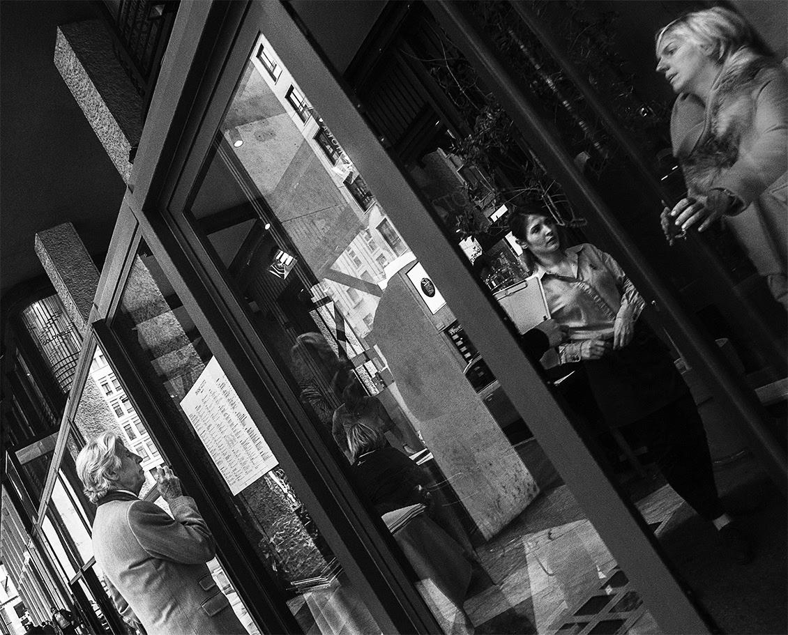 MILUNA-Ewa-Milun-Walczak-Mediolan-ludzie-ulica-przechodzni-mediolanczycy-Przechodnie-3