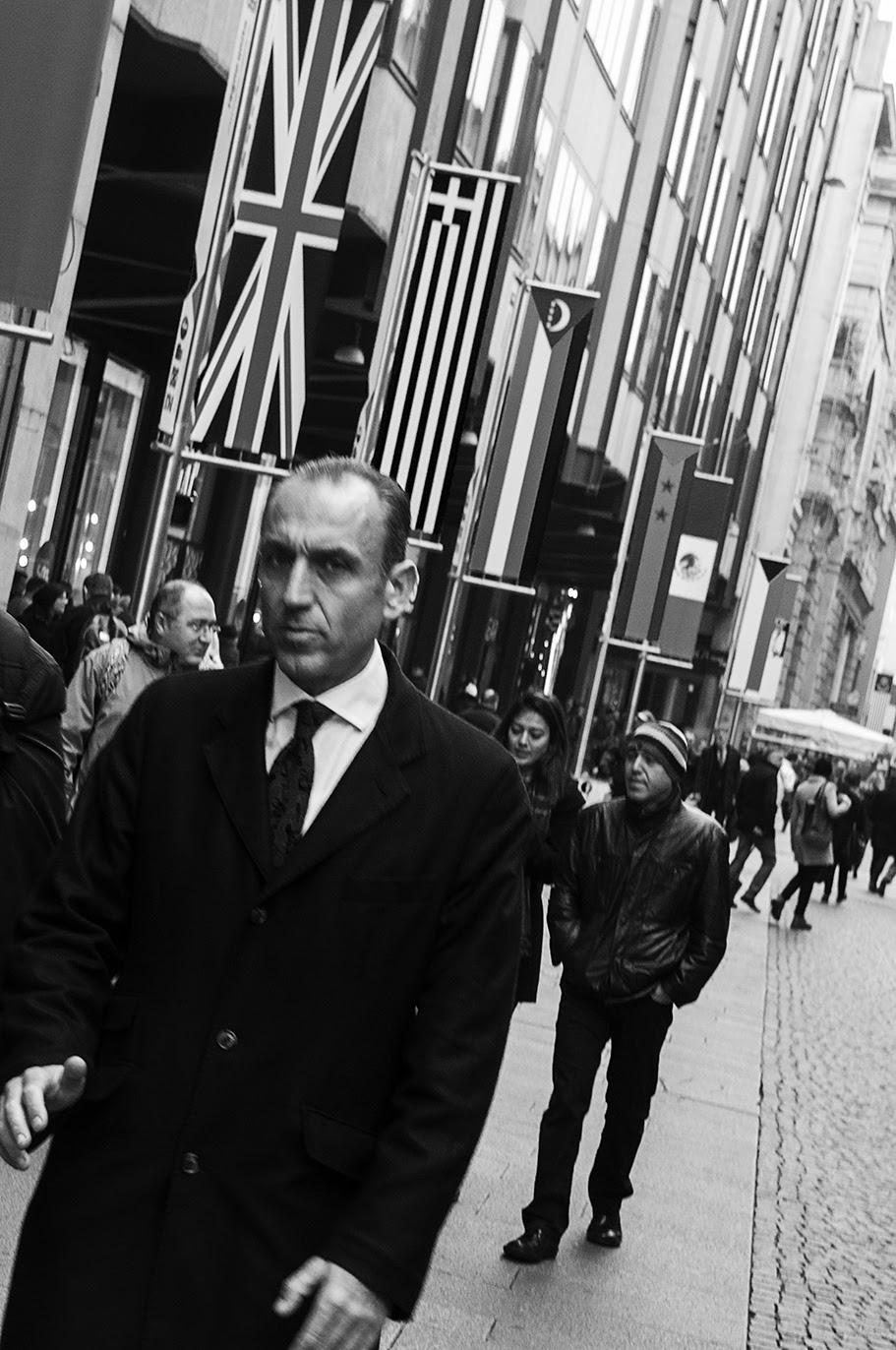 MILUNA-Ewa-Milun-Walczak-Mediolan-ludzie-ulica-przechodzni-mediolanczycy-Przechodnie-5