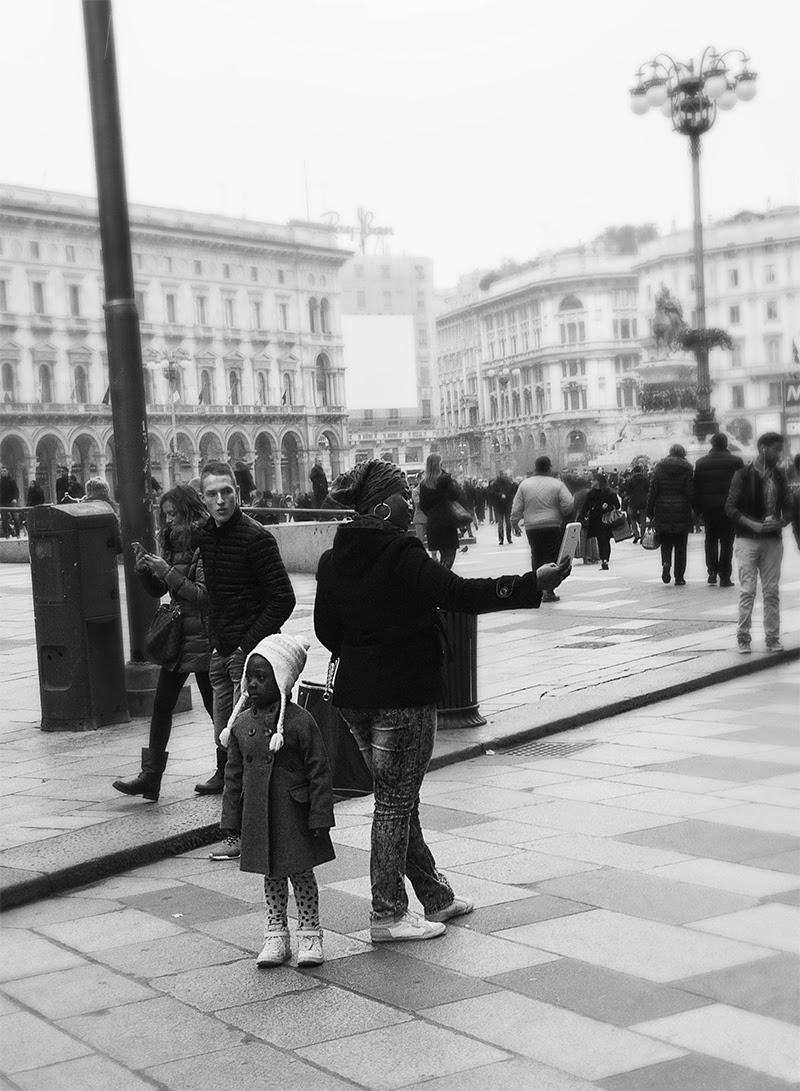 MILUNA-Ewa-Milun-Walczak-Mediolan-ludzie-ulica-przechodzni-mediolanczycy-Przechodnie-7