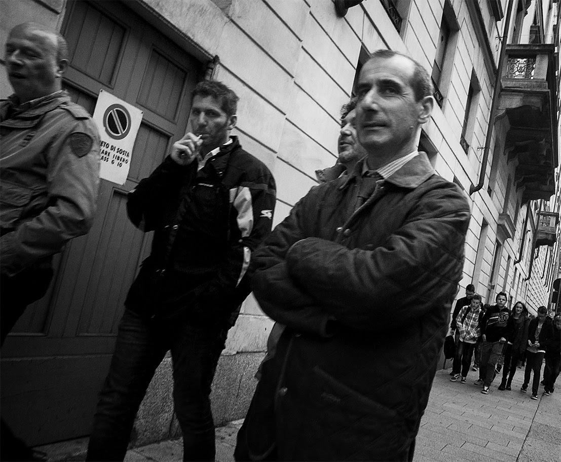 MILUNA-Ewa-Milun-Walczak-Mediolan-ludzie-ulica-przechodzni-mediolanczycy-Przechodnie-9